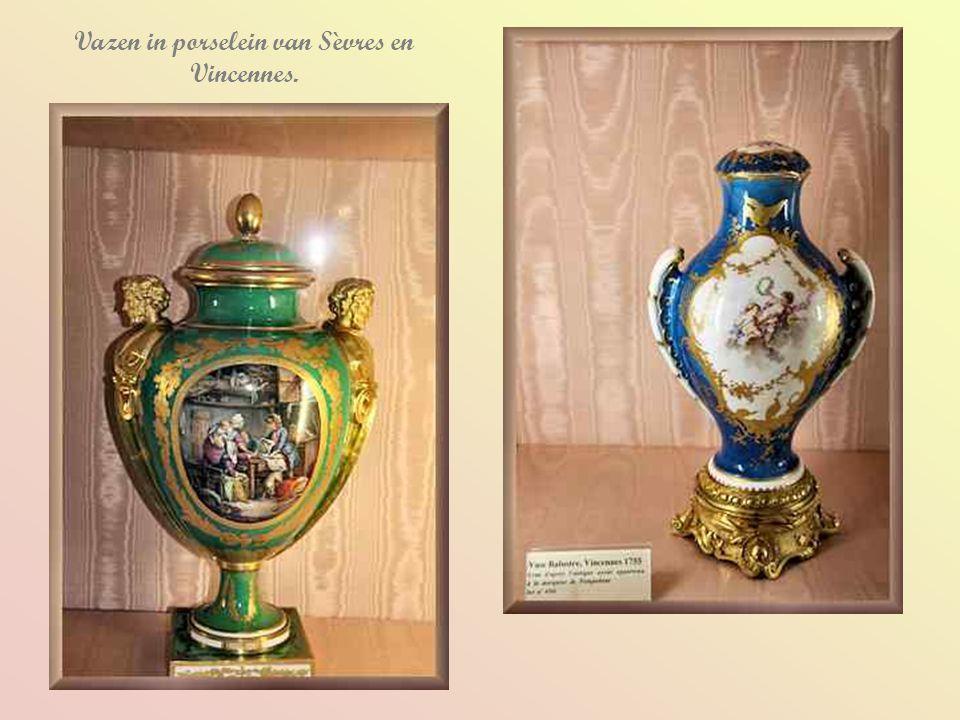 Vazen in porselein van Sèvres en Vincennes.