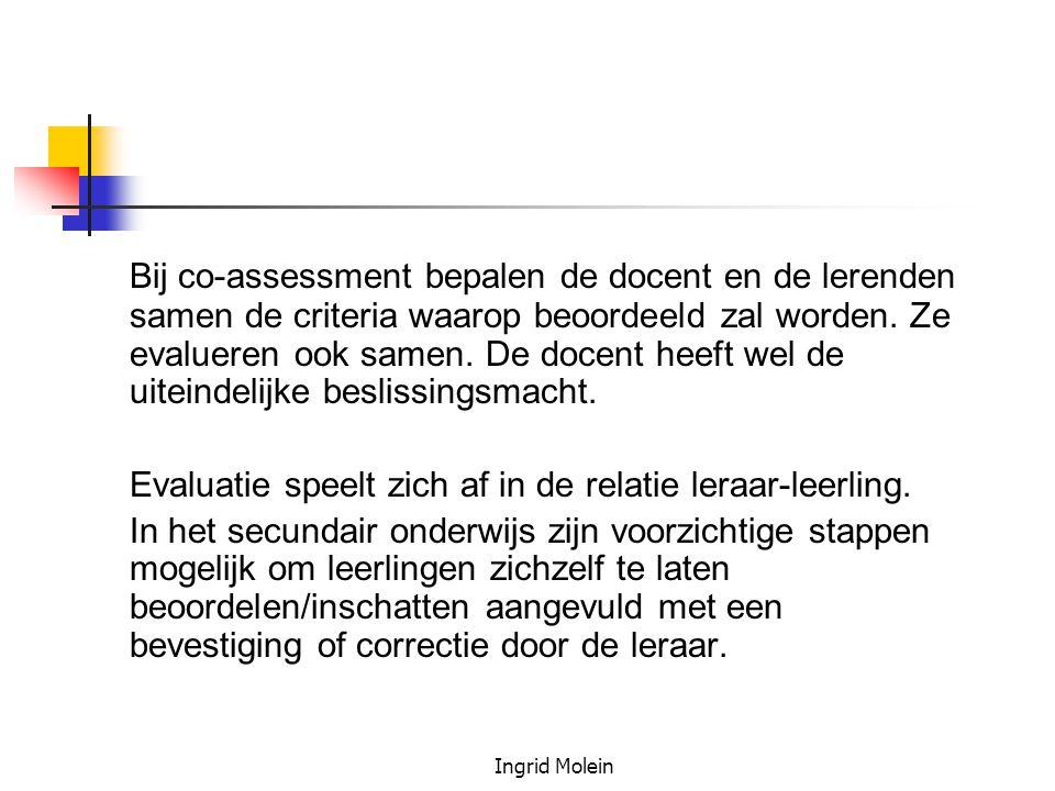 Bij co-assessment bepalen de docent en de lerenden samen de criteria waarop beoordeeld zal worden. Ze evalueren ook samen. De docent heeft wel de uiteindelijke beslissingsmacht.