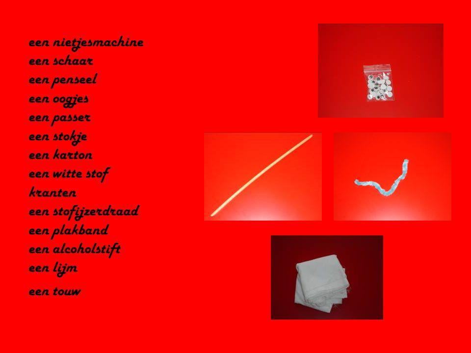 een nietjesmachine een schaar een penseel een oogjes een passer een stokje een karton een witte stof kranten een stofijzerdraad een plakband een alcoholstift een lijm een touw