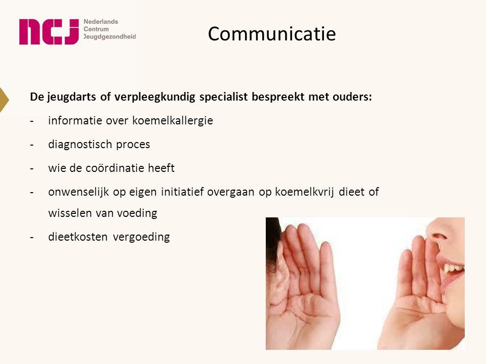 Communicatie De jeugdarts of verpleegkundig specialist bespreekt met ouders: informatie over koemelkallergie.