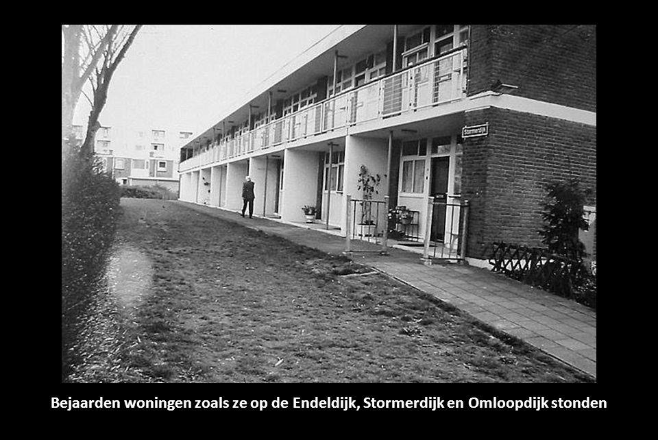 Bejaarden woningen zoals ze op de Endeldijk, Stormerdijk en Omloopdijk stonden