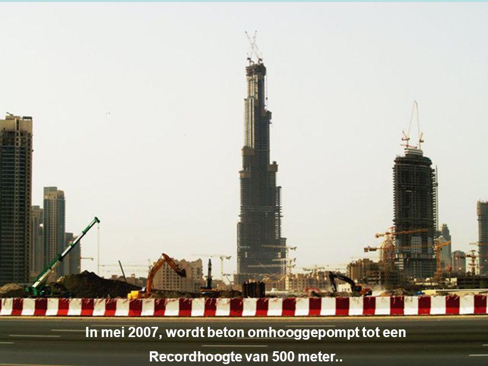 In mei 2007, wordt beton omhooggepompt tot een