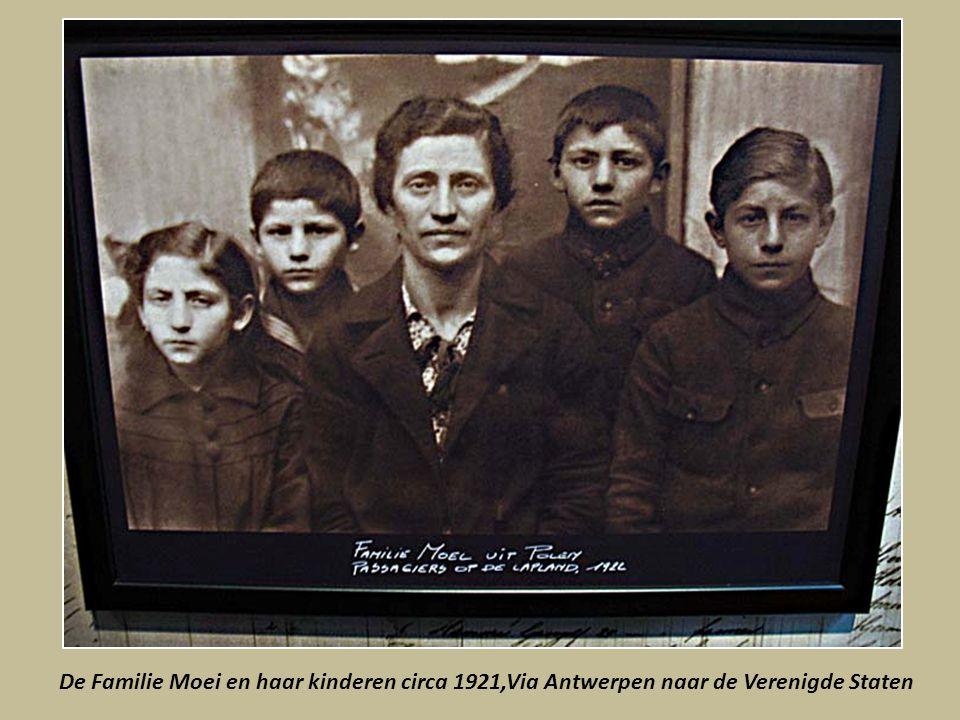 De Familie Moei en haar kinderen circa 1921,Via Antwerpen naar de Verenigde Staten
