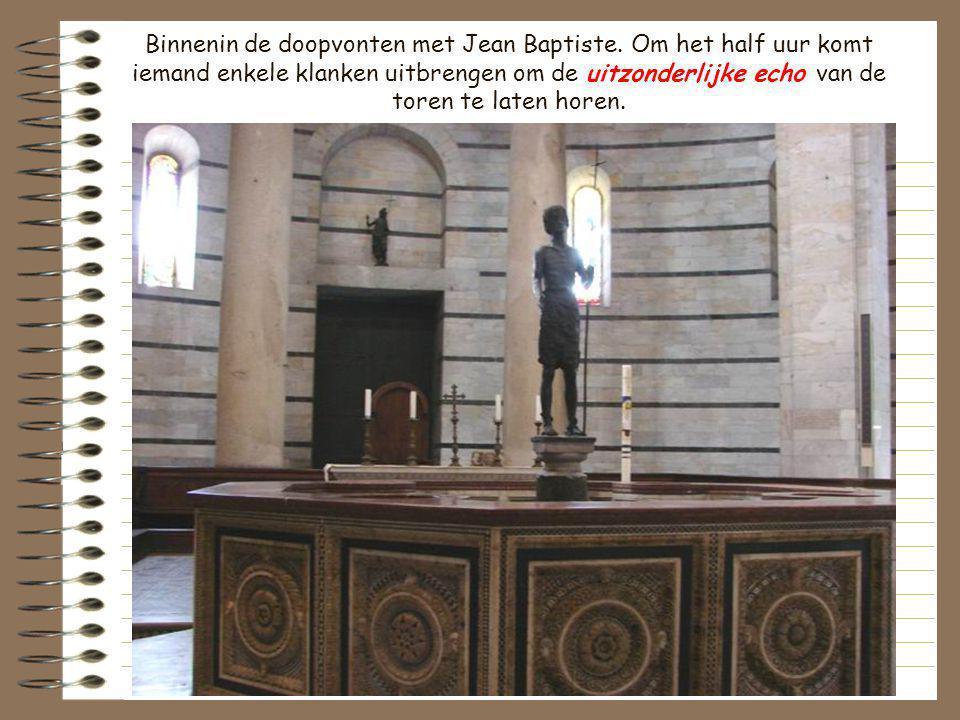 Binnenin de doopvonten met Jean Baptiste
