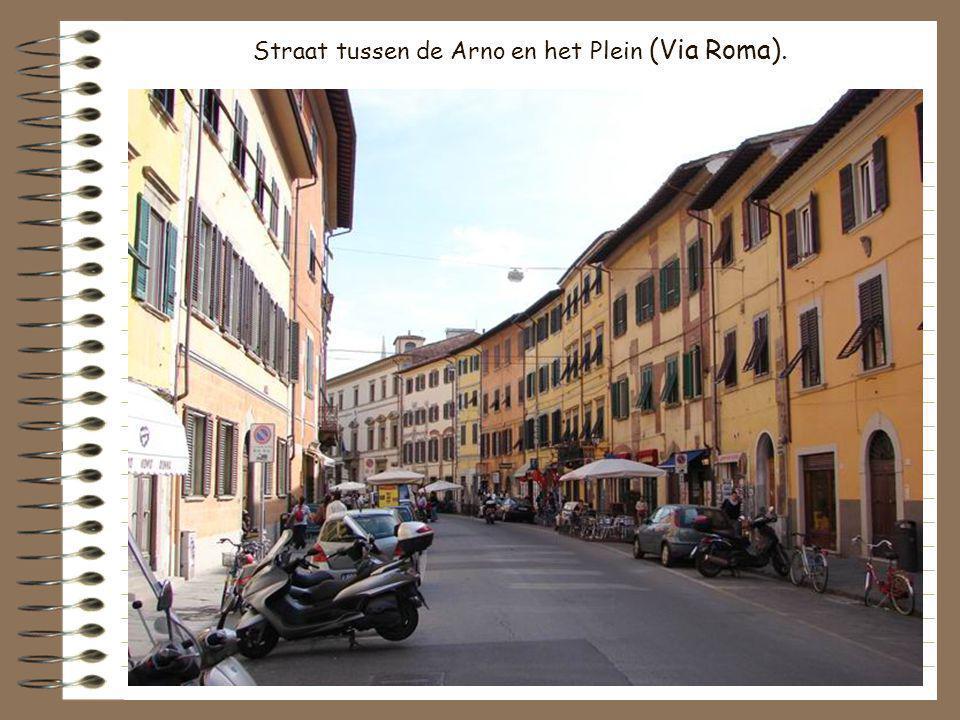 Straat tussen de Arno en het Plein (Via Roma).