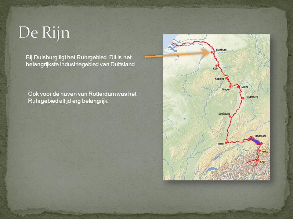 De Rijn Bij Duisburg ligt het Ruhrgebied. Dit is het belangrijkste industriegebied van Duitsland.