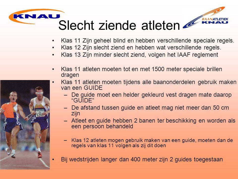 Slecht ziende atleten Klas 11 Zijn geheel blind en hebben verschillende speciale regels.
