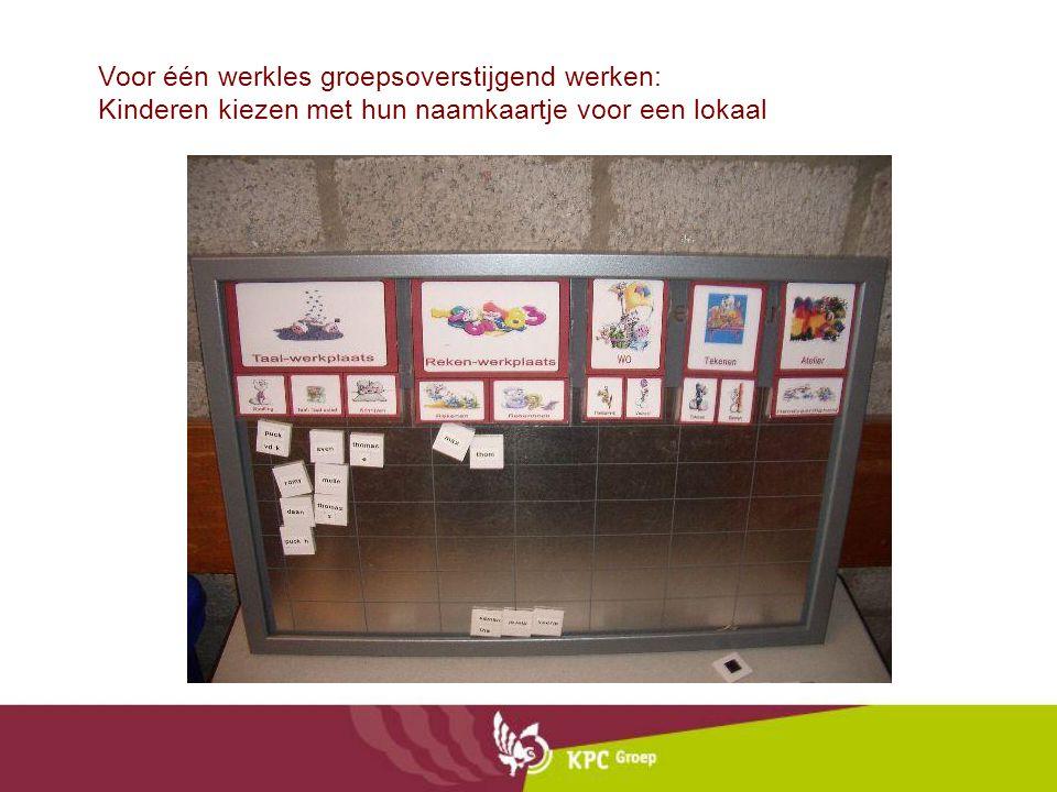 Voor één werkles groepsoverstijgend werken: Kinderen kiezen met hun naamkaartje voor een lokaal