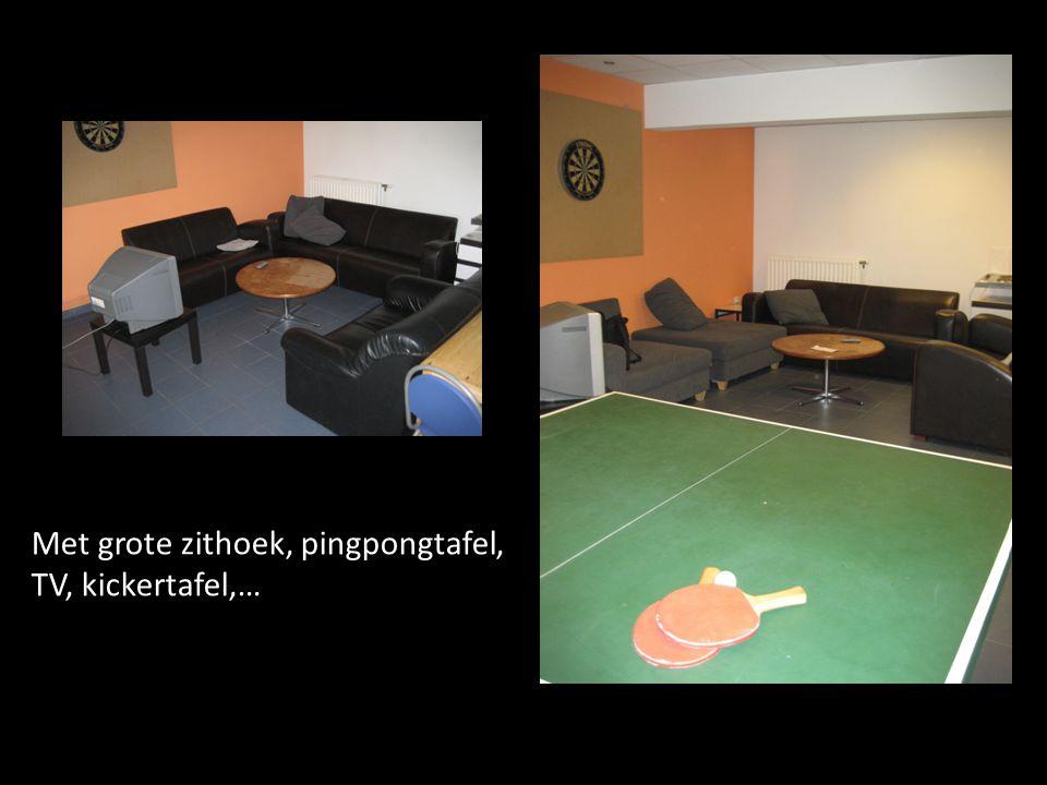 Met grote zithoek, pingpongtafel, TV, kickertafel,…