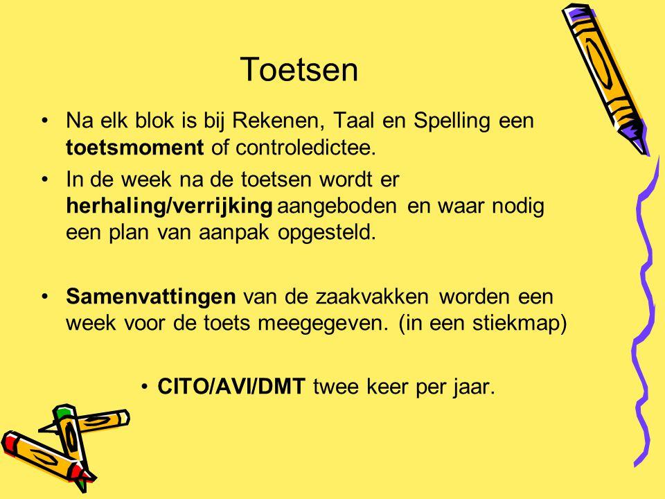 Toetsen Na elk blok is bij Rekenen, Taal en Spelling een toetsmoment of controledictee.