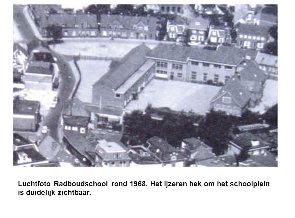 Luchtfoto Radboudschool rond 1968