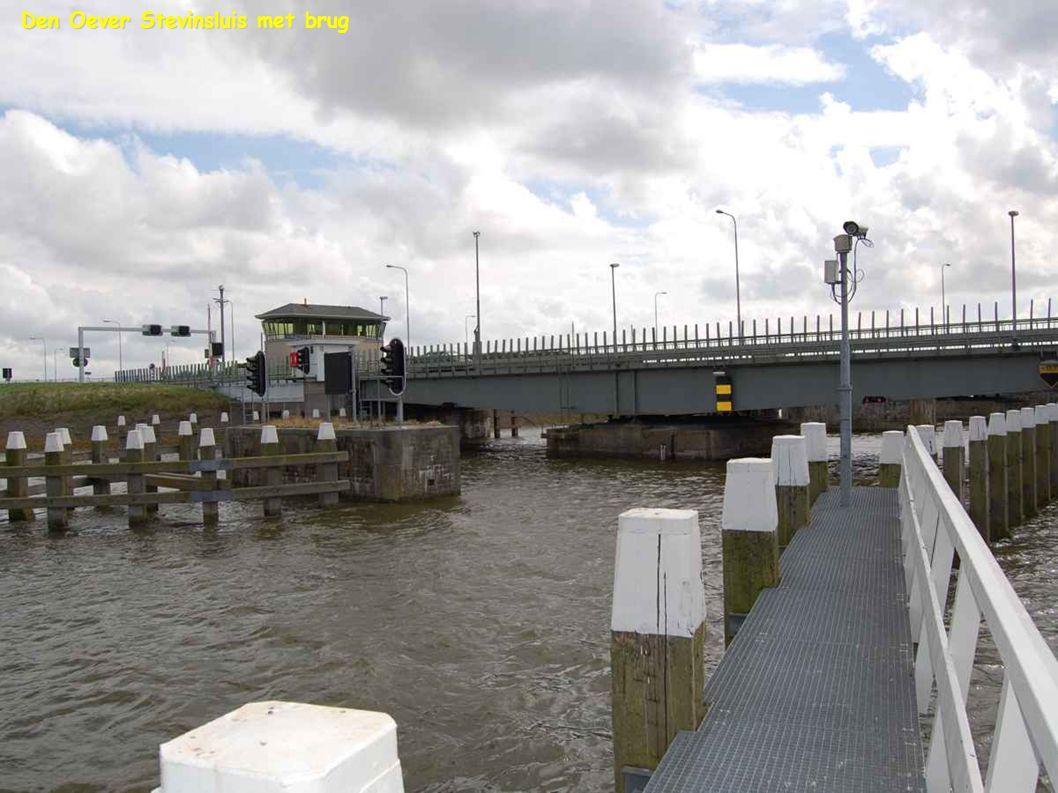 Den Oever Stevinsluis met brug
