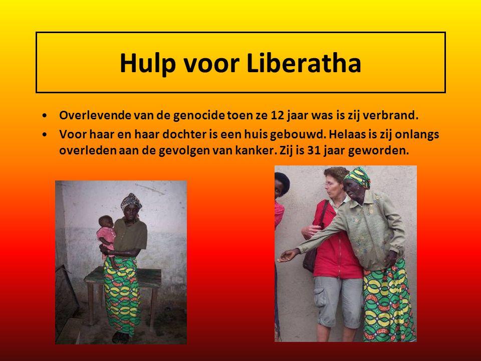 Hulp voor Liberatha Overlevende van de genocide toen ze 12 jaar was is zij verbrand.