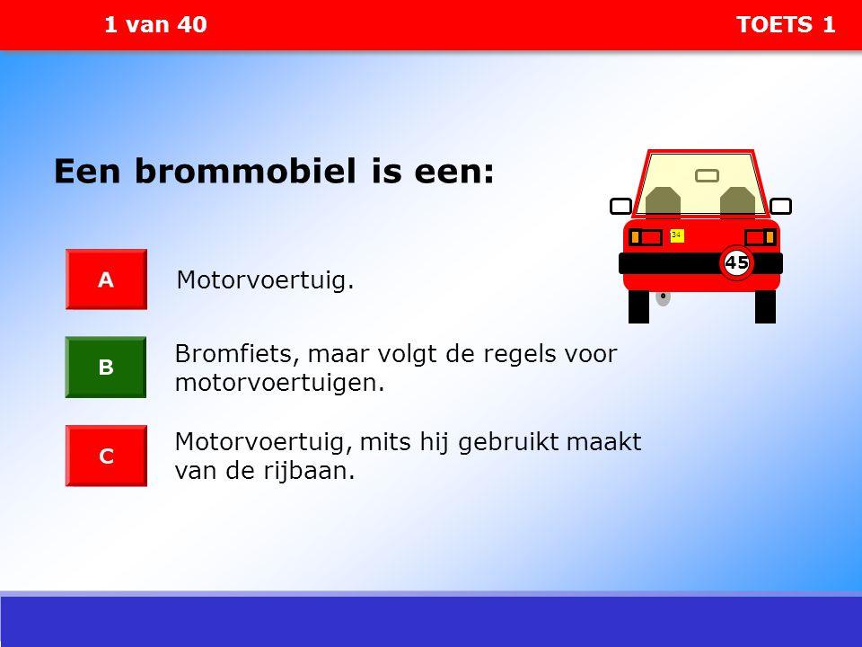 Een brommobiel is een: Motorvoertuig.