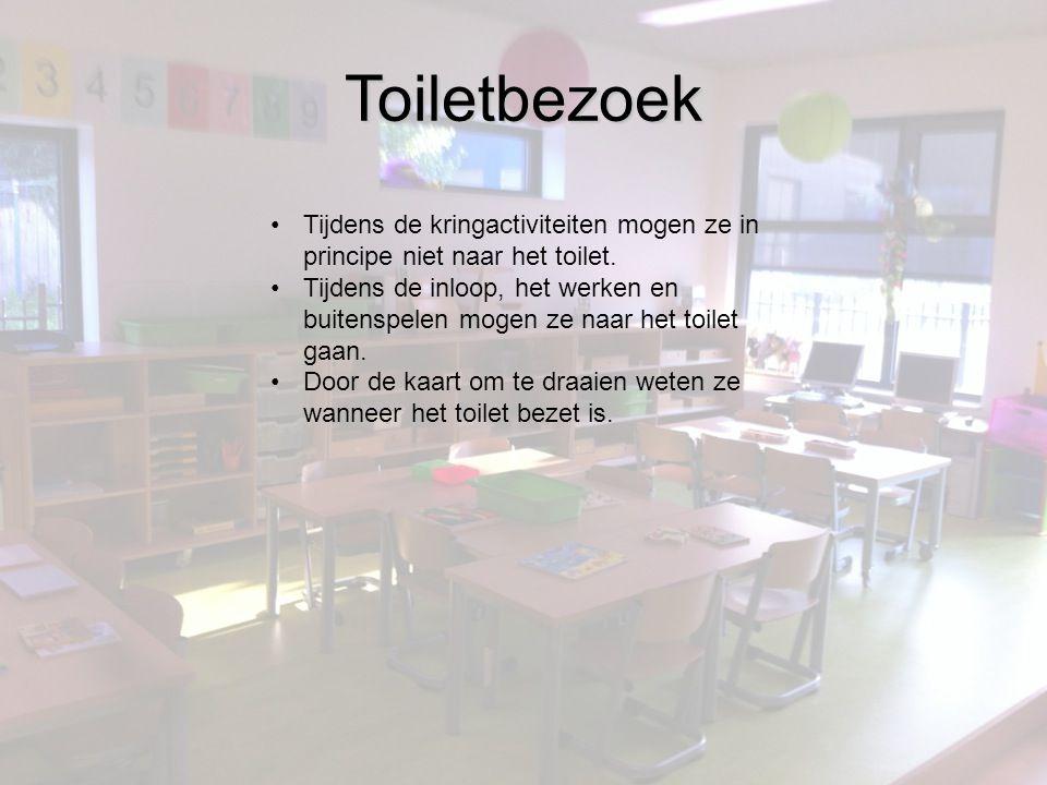 Toiletbezoek Tijdens de kringactiviteiten mogen ze in principe niet naar het toilet.