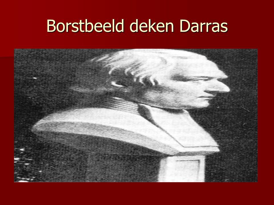 Borstbeeld deken Darras