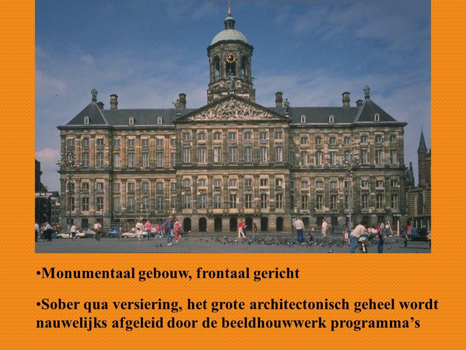 Monumentaal gebouw, frontaal gericht