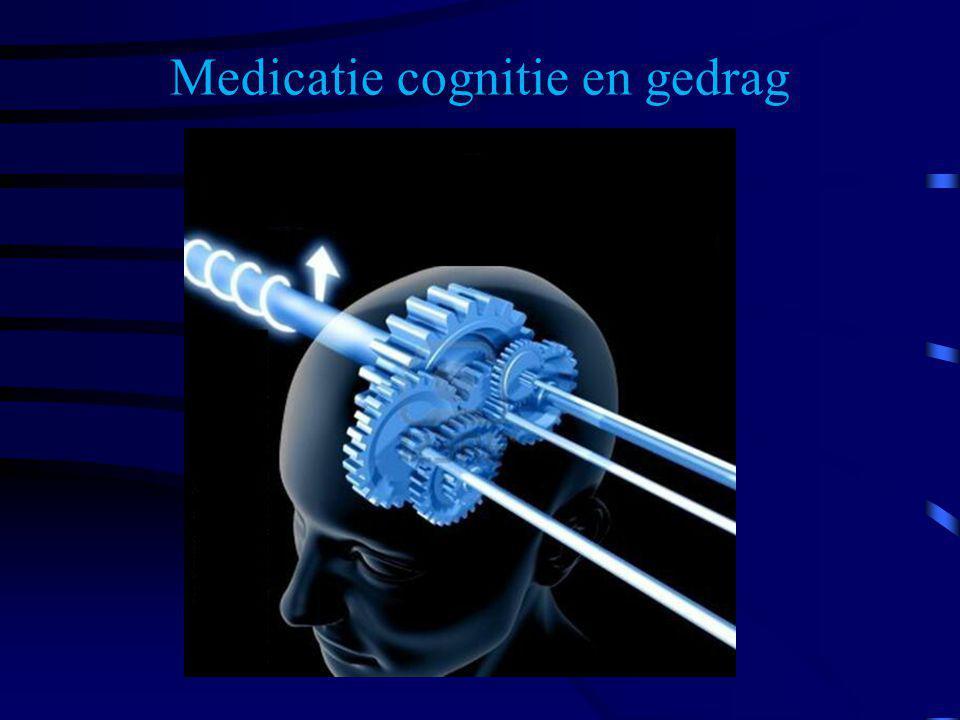 Bij deze beelden is het advies de medicamenteuze behandeling over te laten aan de psychiater.