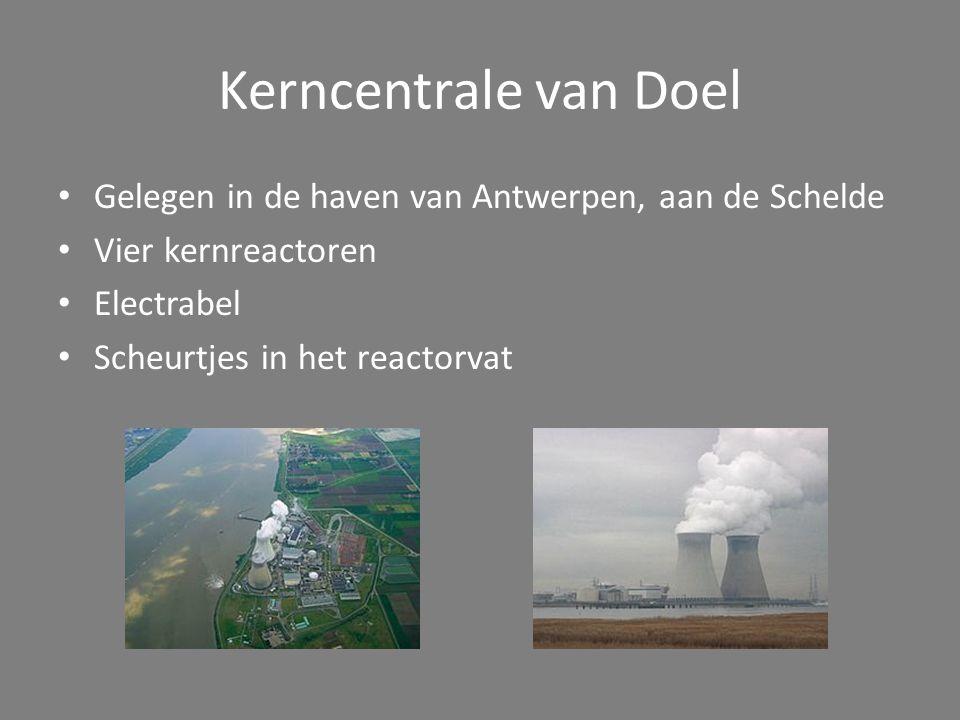 Kerncentrale van Doel Gelegen in de haven van Antwerpen, aan de Schelde. Vier kernreactoren. Electrabel.