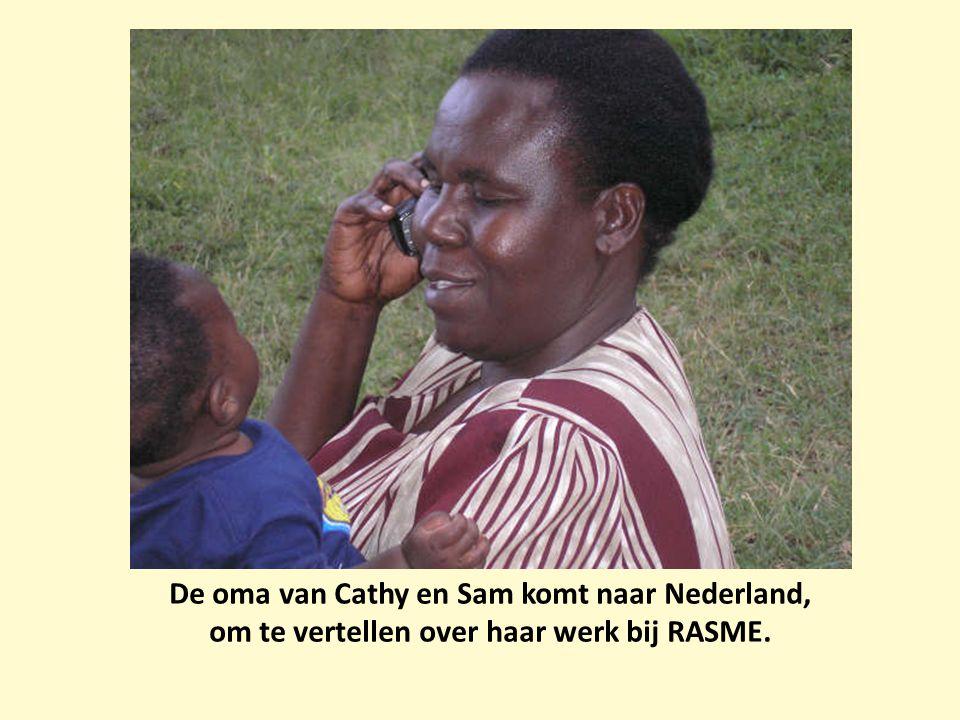 De oma van Cathy en Sam komt naar Nederland,