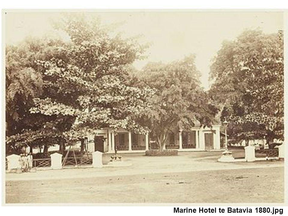 Marine Hotel te Batavia 1880.jpg