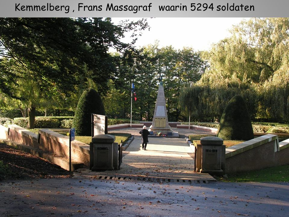 Kemmelberg , Frans Massagraf waarin 5294 soldaten