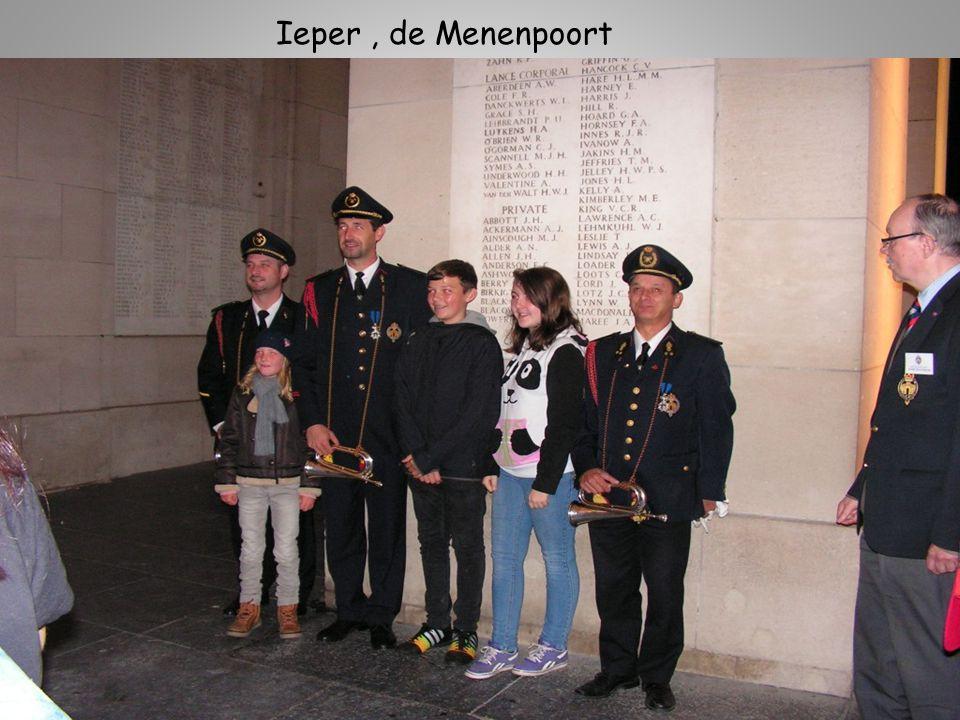 Ieper , de Menenpoort