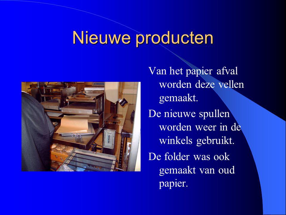 Nieuwe producten Van het papier afval worden deze vellen gemaakt.
