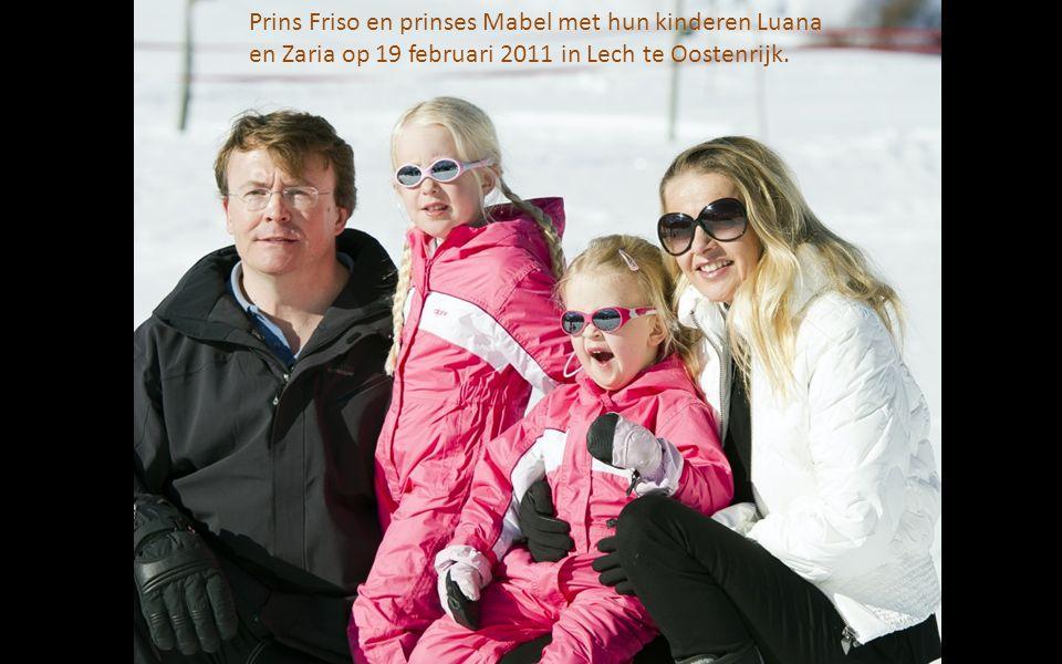 Prins Friso en prinses Mabel met hun kinderen Luana en Zaria op 19 februari 2011 in Lech te Oostenrijk.