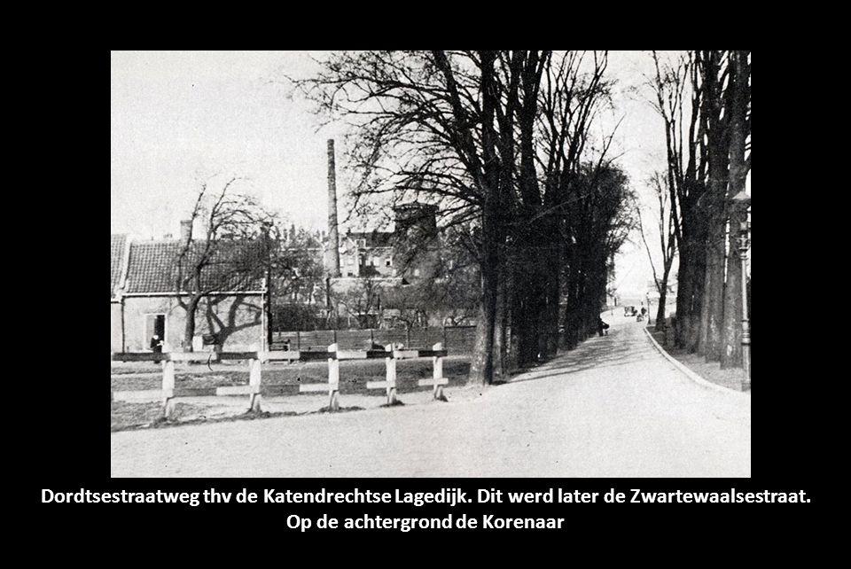 Op de achtergrond de Korenaar