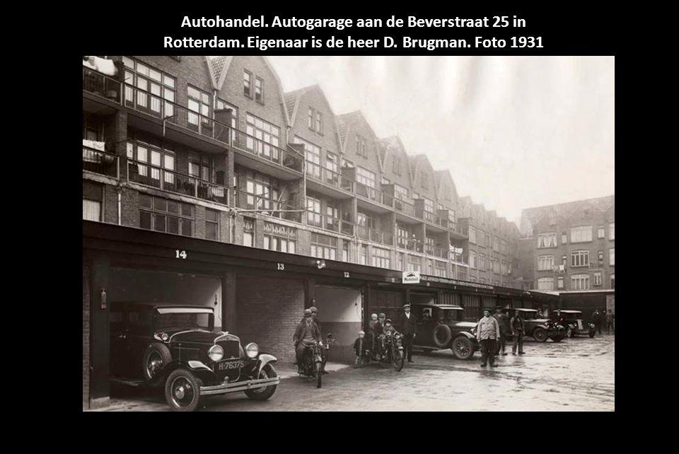 Autohandel. Autogarage aan de Beverstraat 25 in Rotterdam