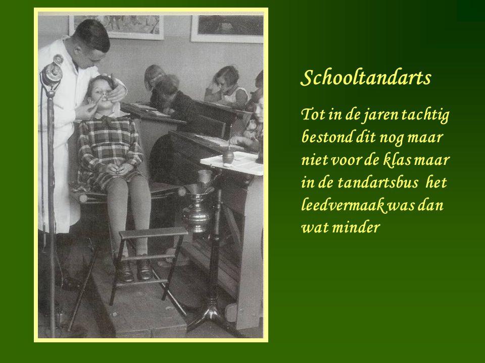 Schooltandarts Tot in de jaren tachtig bestond dit nog maar niet voor de klas maar in de tandartsbus het leedvermaak was dan wat minder.