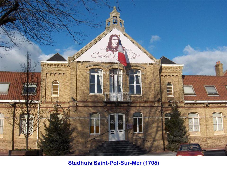 Stadhuis Saint-Pol-Sur-Mer (1705)