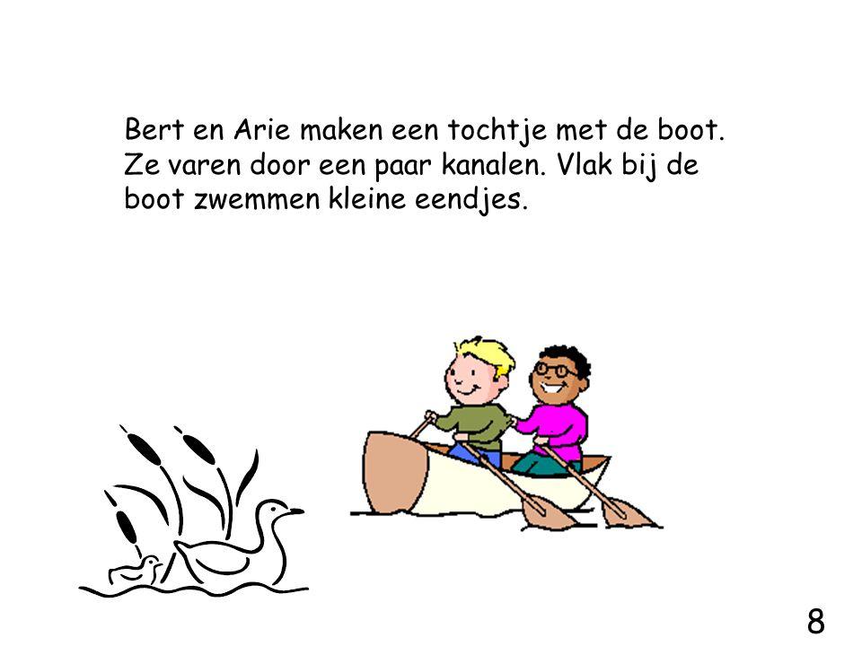 Bert en Arie maken een tochtje met de boot