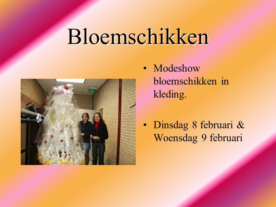 Bloemschikken Modeshow bloemschikken in kleding.