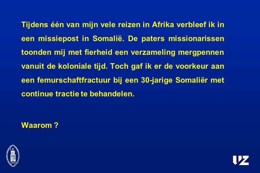 Tijdens één van mijn vele reizen in Afrika verbleef ik in een missiepost in Somalië. De paters missionarissen toonden mij met fierheid een verzameling mergpennen vanuit de koloniale tijd. Toch gaf ik er de voorkeur aan een femurschaftfractuur bij een 30-jarige Somaliër met continue tractie te behandelen.