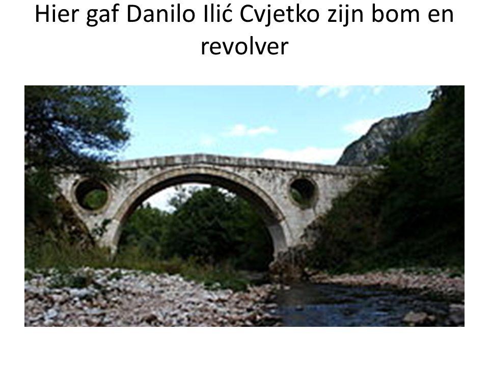 Bembasa de geitenbrug. Hier gaf Danilo Ilić Cvjetko zijn bom en revolver