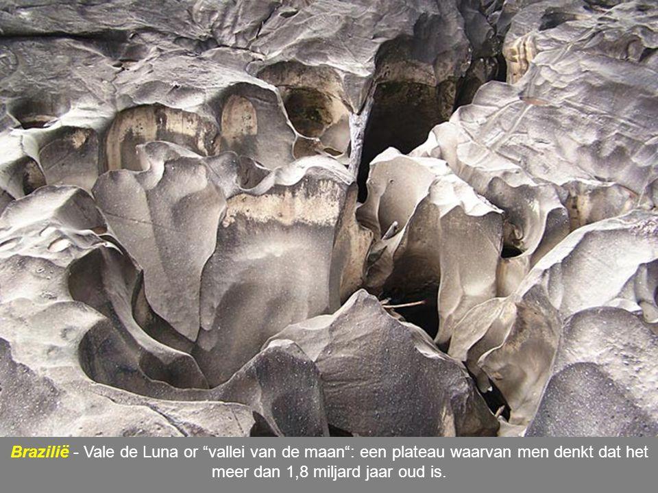 Brazilië - Vale de Luna or vallei van de maan : een plateau waarvan men denkt dat het meer dan 1,8 miljard jaar oud is.