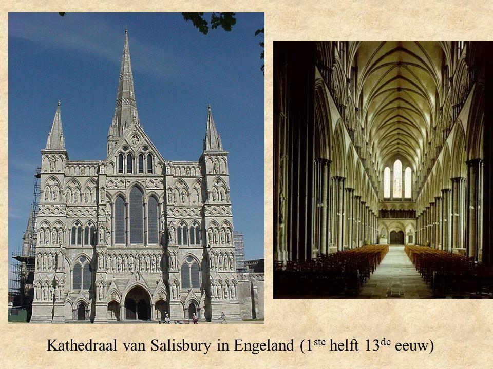 Kathedraal van Salisbury in Engeland (1ste helft 13de eeuw)