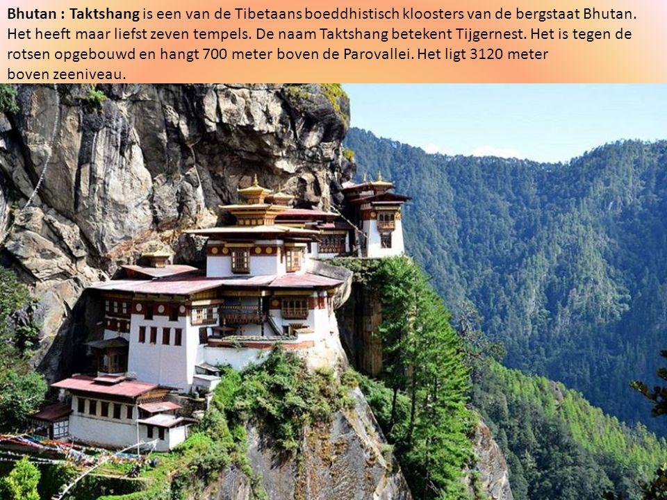 Bhutan : Taktshang is een van de Tibetaans boeddhistisch kloosters van de bergstaat Bhutan.