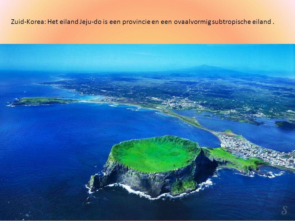 Zuid-Korea: Het eiland Jeju-do is een provincie en een ovaalvormig subtropische eiland .