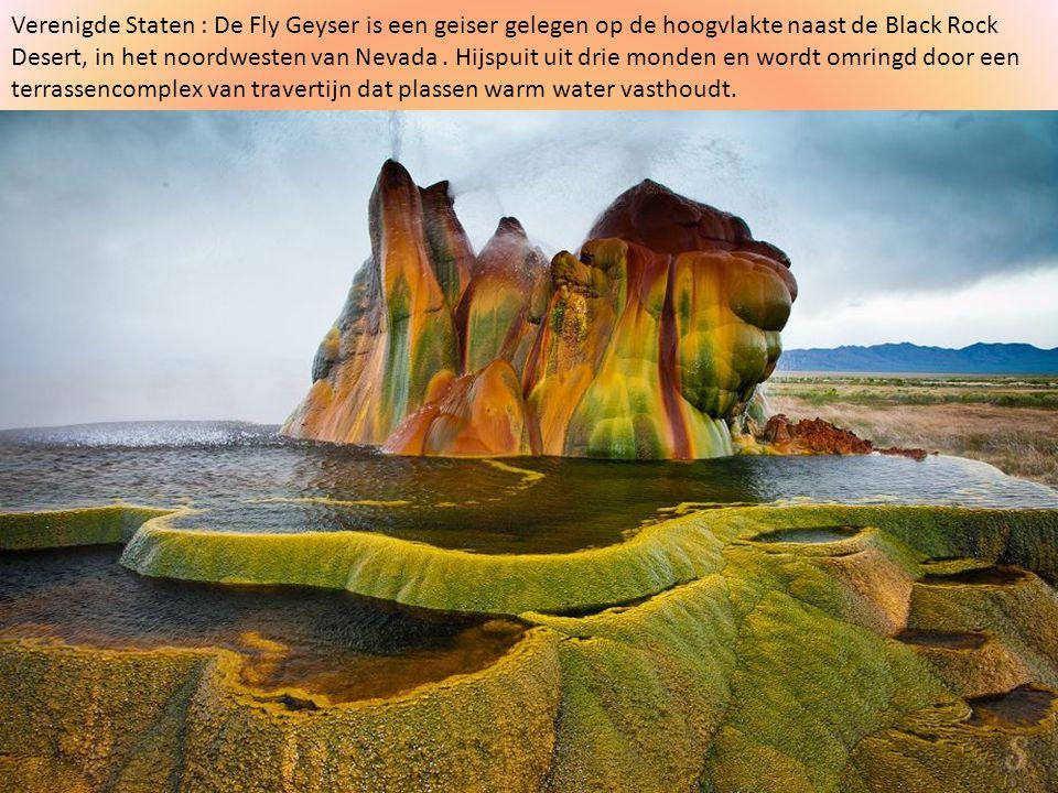 Verenigde Staten : De Fly Geyser is een geiser gelegen op de hoogvlakte naast de Black Rock Desert, in het noordwesten van Nevada .