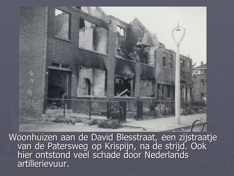 Woonhuizen aan de David Blesstraat, een zijstraatje van de Patersweg op Krispijn, na de strijd.
