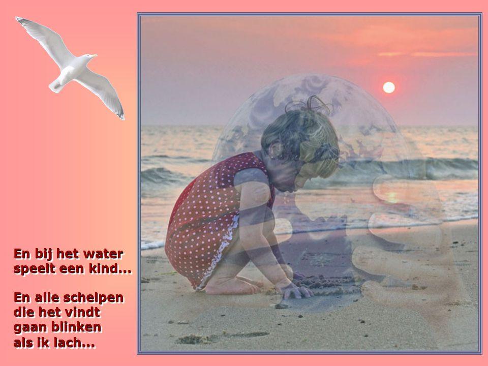 En bij het water speelt een kind
