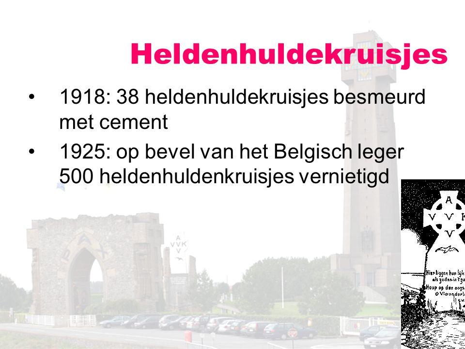 Heldenhuldekruisjes 1918: 38 heldenhuldekruisjes besmeurd met cement