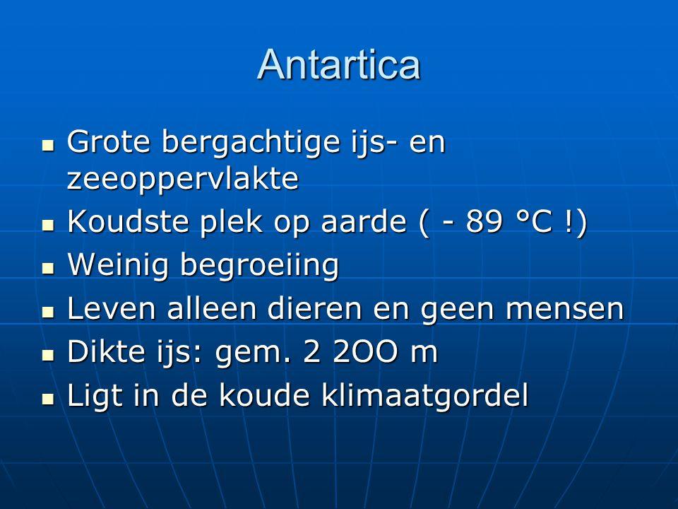 Antartica Grote bergachtige ijs- en zeeoppervlakte