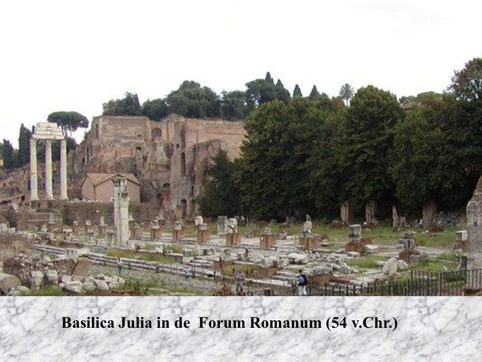 Basilica Julia in de Forum Romanum (54 v.Chr.)