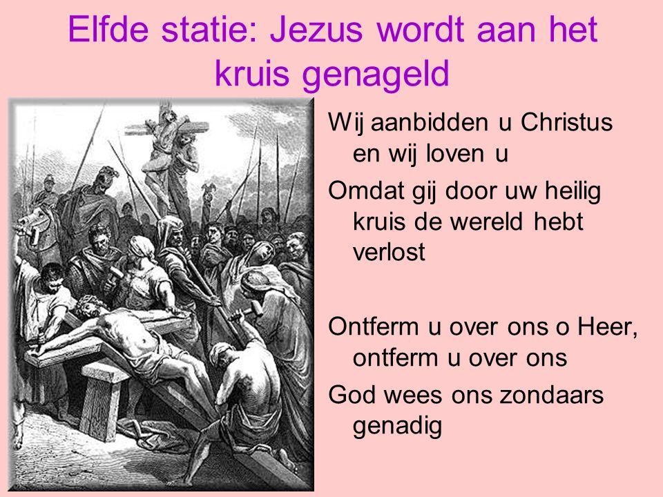 Elfde statie: Jezus wordt aan het kruis genageld