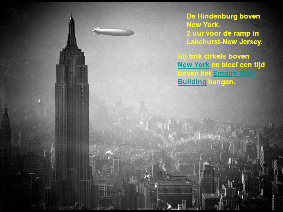 De Hindenburg boven New York.