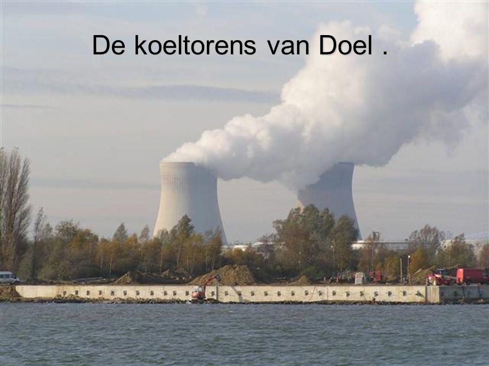De koeltorens van Doel .